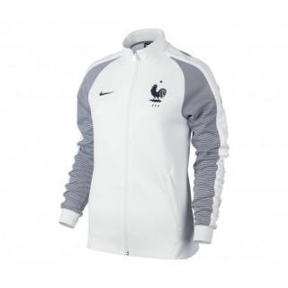 Nike vous propose la veste Authentic N98 FFF en Blanc destinée aux Femmes